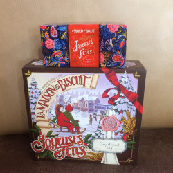 Coffret Noël gourmand (biscuits et chocolats)